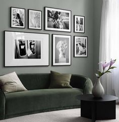 Gallery walls are popular! Find inspiration for creating a picture wall and collages of posters and art prints. There are a range of pictures of rooms with gallery walls and inspiring décor. Make a photo wall gallery with framed art. Nature Design, Inspiration Wand, Desenio Posters, Green Velvet Sofa, Above Couch, The Doors, Nordic Interior, Interior Decorating, Interior Design