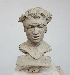 Sculpture argile terre cuite joueur de rugby  rugby player clay sculpture