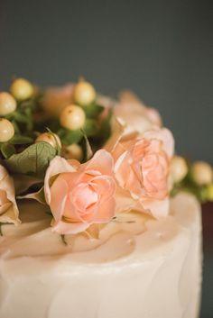 EdreeMike_WhitePointGardens_PriscillaThomasPhotography_359 - - DeClare Cakes, Charleston, SC