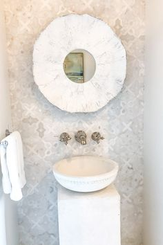Looking for kitchen and bathroom room tile ideas! Take this $6M modern coastal home tour for lots of ideas using mosaic tile, tile walls, porcelain slab, glass tiles all in soft coastal colors. #kitchenideas #tileideas #bathroomideas #mosaictilewall #tileonwall #tilelikewallpaper #porchdaydreamer Bath Tiles, Room Tiles, Coastal Bathrooms, Farmhouse Bathrooms, Small Bathroom Sinks, Bathroom Ideas, Rustic Bathroom Decor, Modern Coastal, Glass Shower