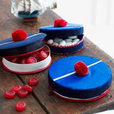 Camembert boxes transformed into sailor& hats Deco Theme Marin, Deco Marine, Bastille Day, Love Boat, Nautical Party, Food Videos, Bath And Body, Sailor, Yummy Food