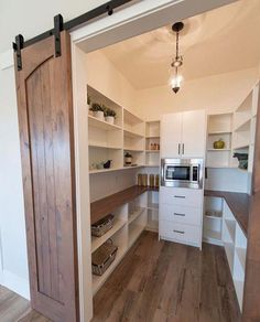 Vorratsraum mit Schiebetür Pantry with sliding door - Own Kitchen Pantry Pantry Shelving, Pantry Storage, Storage Cabinets, Kitchen Storage, Kitchen Organization, Kitchen Cabinets, Shelving Ideas, Kitchen Countertops, Corner Cabinets