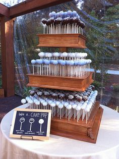 Cake Pops 101: Tips, Tricks & Great Ideas on how to display your cake pops!   niner bakes