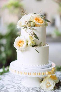 Featured Photographer:Hunter Ryan Photography; wedding cake details