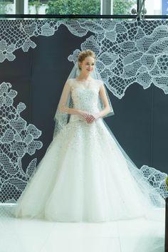 #wedding #weddingdress #dress #dressshop #white #collectionshow #Tokyo #ginza #NOVARESE #結婚式 #ウエディング #ウエディングドレス #ドレス #ドレスショップ #ホワイト #白 #コレクションショー #ランウェイショー #東京 #銀座 #ノバレーゼ #Celeste #CAROLINAHERRERA #キャロリーナ・ヘレラ