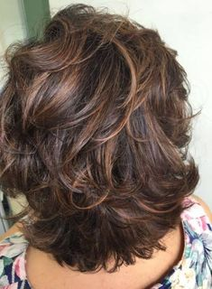 51 Stunning Medium Layered Haircuts (Updated for - Style My Hairs Short Hair With Layers, Short Hair Cuts, Medium Hair Styles, Curly Hair Styles, Medium Layered Haircuts, Great Hair, Hair Highlights, Hair Lengths, Pixie Hairstyles