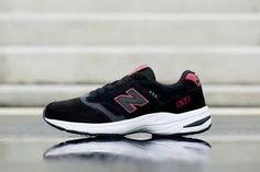 New Balance Women's Black Red Shoes NB007