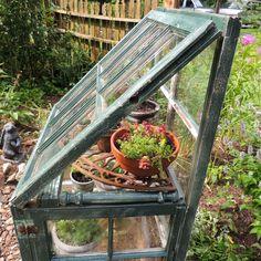 Old Window Greenhouse, Lean To Greenhouse, Greenhouse Plans, Greenhouse Gardening, Glass House Garden, Green House Design, Side Garden, Backyard Farming, Garden Projects