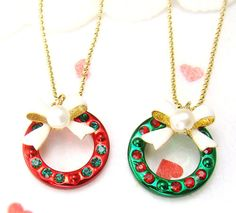 Christmas Wreath Pendant Necklace Ornament Charm Jewelry Gift Winter Party Idea