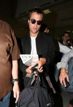 Rob arriving in Nice, France for Cannes, 5-16-14 (6)