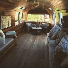 52 Wonderful Glamper Camper Trailer Remodel - Home-dsgn Airstream Vintage, Airstream Campers, Airstream Remodel, Airstream Renovation, Trailer Remodel, Remodeled Campers, Vintage Trailers, Camper Trailers, Vintage Campers