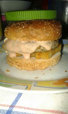 Una bella cena. Alla faccia dei vegani :) #ChickenBurger #Patatine #NoVeg