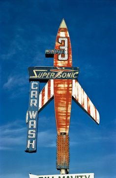 Old Chicago highway neon Super Sonic Car Wash, Billings, Montana, 1980 Old Neon Signs, Vintage Neon Signs, Old Signs, Vintage Logos, Vintage Advertisements, Advertising Signs, Cyberpunk 2077, Retro Signage, Roadside Attractions