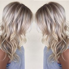 Broke up her blonde to size and deepen her hair - Blond Frisuren - Herrlich Hair and Nail-Ideen Hair Color Balayage, Blonde Color, Blonde Balayage, Blonde Highlights, Bayalage, Haircolor, Hair Color And Cut, Cool Hair Color, Hair Blond