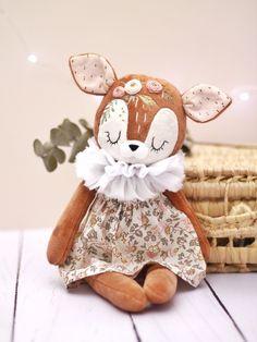Felt Animal Patterns, Stuffed Animal Patterns, Felt Dolls, Baby Dolls, Gifts For Newborn Girl, Organic Baby Toys, Little Girl Toys, Handmade Stuffed Animals, Handmade Soft Toys