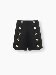 Discover Buttoned Shorts and shop online on CHLOE Official Website. 17SJS0117S083
