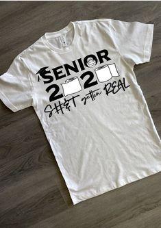 Senior Shirts, Graduation Shirts, Vinyl Designs, Shirt Designs, Graduation Picture Poses, Vinyl Clothing, Great T Shirts, Crafts To Make, Cricut