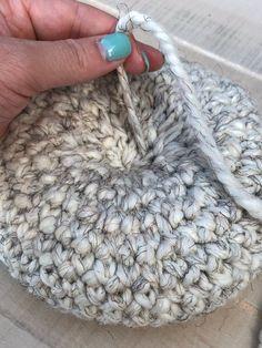 Crochet Fall, Holiday Crochet, Halloween Crochet, Crochet Hook Case, Crochet Hooks, Crochet Pumpkin Pattern, Crochet Dishcloths, Chrochet, Easy Crochet Blanket