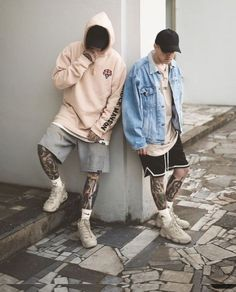 """40 Gorgeous Men Street Styles Ideas What exactly does the term """"street style"""" mean? Well, the meaning is really implied in the name itself. Men With Street Style, Men Street, Street Wear, Moda Hipster, Style Hipster, Fashion Mode, Mens Fashion, Fashion Outfits, Sneakers Fashion"""