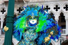 Peacock mask with blue and green feathers Peacock Mask, Animal Photography, Venice, Feathers, Carnival, Green, Blue, Color, Masks