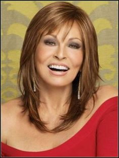 Medium Frisuren für Frauen über 40 mit feinem Haar | Kurze Pixie ... | Einfache Frisuren