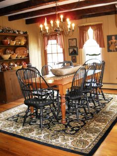 Get the modern farmhouse dining room decor ideas from the table, lighting, chairs, and more. Make the moment memorable meal with your family and remembered. Primitive Dining Rooms, Country Dining Rooms, Country Kitchens, Colonial Furniture, Rustic Furniture, Furniture Design, Dining Room Walls, Dining Room Design, Dining Area