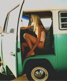 Pink Summer, Summer Of Love, Summer Days, Summer Time, Summer Fun, Vw Bus, Vintage Volkswagen Bus, Volkswagen Minibus, Bus Camper