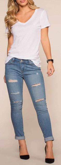40 New ideas for fashion outfits style distressed jeans Sporty Outfits, Mode Outfits, Simple Outfits, Fall Outfits, Denim Fashion, Look Fashion, Fashion Outfits, Womens Fashion, Fashion Trends