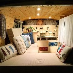 Awesome Camper Van Conversions That Will Inspire, The Full-Size Van is quite flexible. You might go for a van you have to tow or the other choice is to purchase a camper van that's both car and carava. Camper Life, Rv Campers, Camper Trailers, Camper Van, Travel Trailers, Diy Interior, Interior Design, Campervans For Sale, Camper Windows