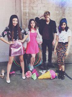♡ Kira Kosarin, Cameron Boyce, Love To Meet, Me Tv, Dance Moves, Pop, Asian Style, Goth Girls, Erika