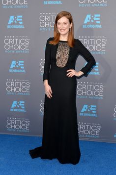 Julianne Moore in Saint Laurent - Critics' Choice Awards 2015