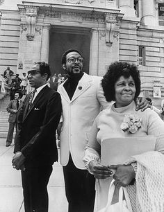 Marvin Gaye and parents on Marvin Gaye Day WASHINGTON, DC - MAY Marvin Gaye with his parents, Rev., on 'Marvin Gaye Day' in front of the District Building. (Photo by Elsworth Davis/The Washington Post via Getty Images) Marvin Gaye, Columbia, Black Celebrities, Foreign Celebrities, Celebs, Vintage Black Glamour, Soul Singers, Idole, Black History Facts