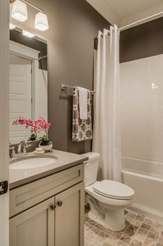 Brown bathroom paint, bathroom colors brown, small bathroom paint c Bathroom Colors Brown, Bathroom Paint Colors, White Bathroom, Natural Bathroom, Bathroom Modern, Simple Bathroom, Home Design, Design Ideas, Bath Design