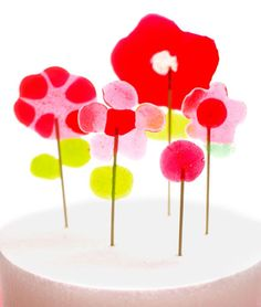 Rainy Day with the Kids: Petal Flower Pops from Candy Aisle Crafts | Tastebook Blog