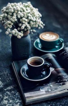 Coffee Photos, Coffee Pictures, Coffee And Books, I Love Coffee, Good Morning Coffee, Coffee Break, Coffee Cafe, Coffee Drinks, Drinking Coffee