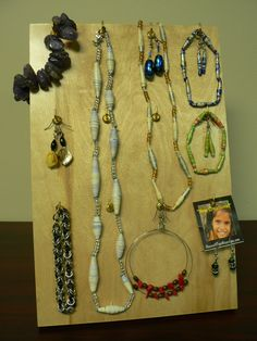 Do you love jewelry?! Make sure to bid on this big jewelry package from House of Hope Nicaragua! This package includes one wood necklace and earring set, one stone bracelet, two wall paper necklaces, two wrapping paper bracelet and earring sets, one chain mail bracelet, four pairs of earrings!  Retail Value: $93.00