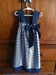 Handmade dress! Tutorial from TJ's Fabric Blog. #diy #handmade #littlegirlsdress