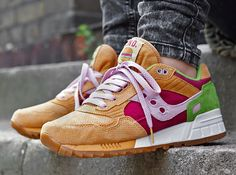 FREE END. x Saucony Shadow 5000 - Burger |