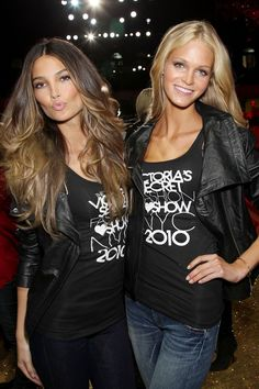 Lily Aldridge & Erin Heatherton, the hair on the left. Erin Heatherton, Lily Aldridge Hair, Victoria Secret Hair, Tips Belleza, Cut And Style, Balayage Hair, Mannequins, Gorgeous Hair, Hair Looks