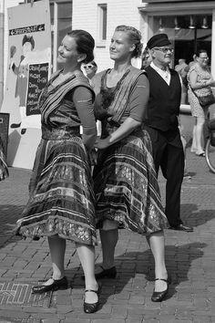 https://flic.kr/p/AyZ8hV | Hulst (The Netherlands) - Vestingsdagen (Fortress festival) - Folk dancing - 13 | Pictures taken by Björn Roose in Hulst (The Netherlands).