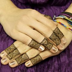 Mehndi Designs are considering as the top Ornament to Decorate the Women's Beauty. No Doubt Mehndi is a truly sign of Pleasing, Freshness and Happiness for Lady's. Mehndi Decor, Mehndi Art, Henna Mehndi, Mehendi, Mehndi Designs For Kids, Henna Designs, Mehndi Style, Mehndi Patterns, Mehndi Tattoo