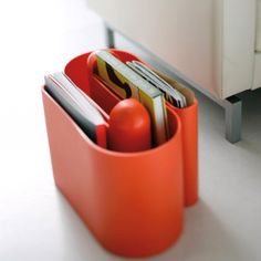 BUK (Rodolfo Bonetto, magazine rack designed in U shape to enable two identical elements to be joined together! Made from rotomoulded polyethylene! Magazine Stand, Magazine Racks, B Line, Rack Design, Alessi, Keep It Simple, Home Organization, Shoe Rack, Flooring