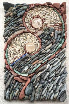 Naomi Zettl & Andreas Kunert(Canadá) - Embracing Divine Love. Cuarzo transparente, esferas de cristal, venturina, lapislázuli y guijarros.