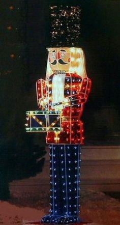 Amazon.com: 6 Foot 3d Holographic Lighted Nutcracker - Christmas Yard Decor: Home & Kitchen