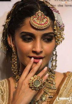 Sonam Kapoor wearing jewellery by Amrapali for Rohit Bal's show. Bridelan - a personal wedding shopper & stylist. Website www.bridelan.com #Bridelan