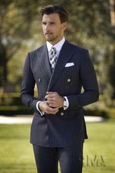 mens suits for weddings Sharp Dressed Man, Well Dressed Men, Dress Suits, Men Dress, Traje Casual, Mode Costume, Pinstripe Suit, Herren Outfit, Fitted Suit
