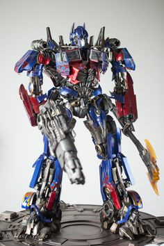 Transformers: Dark of The Moon - Optimus Prime Statue/Maquette by Prime 1 Studio - Sideshow Collectible