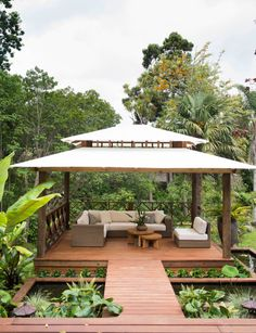 go on holiday when your garden in busy old Auckland is a Balinese retreat built to capture all-day sun? Garden Huts, Bali Garden, Balinese Garden, Backyard Garden Landscape, Garden Gazebo, Tropical Garden, Backyard Patio, Backyard Landscaping, Balinese Decor