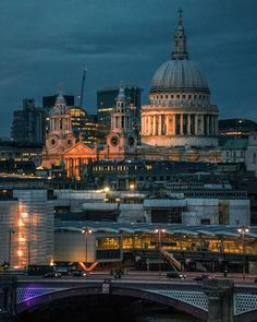 St Paul's Cathedral towering over Blackfriars Bridge  #stpauls #stpaulscathedral #city #cityoflondon #beautifuldestinations #london #london_only_members #london_only #agameoftones #londonpop #igerslondon #ig_britishisles #london4all #thisislondon #timeoutlondon #ilovelondon #londoner #photosofengland #londoncollective #londonforyou #hq_uk #thelensbible #prettylittlelondon#archidaily#sonyimages #sonya7 #wexphoto #jessopsmoment @samyanglensglobal @sonyalpha@london by mutinyonthebounty