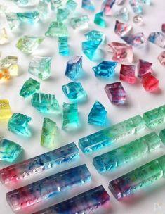 思わずうっとり♡食べる宝石「琥珀糖」を作ってみよう | レシピサイト「Nadia | ナディア」プロの料理を無料で検索